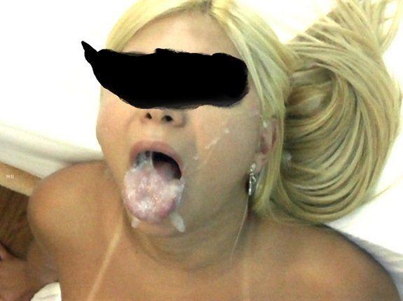 Loira safada toda gozada na boca