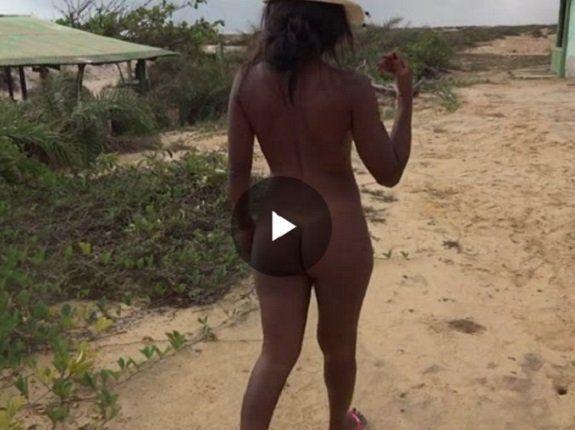 [Video] Morena gostosa pelada em praia de nudismo