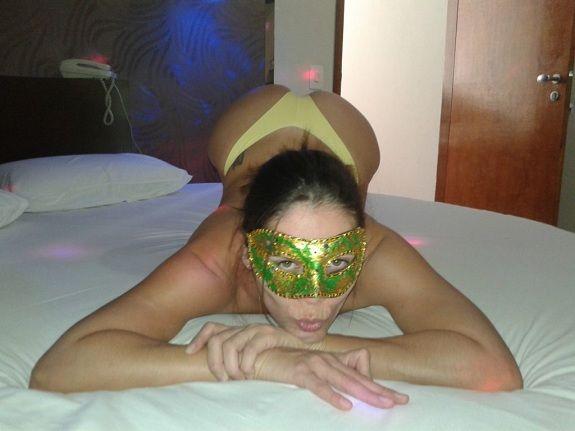 Raquel pelada no motel querendo sexo