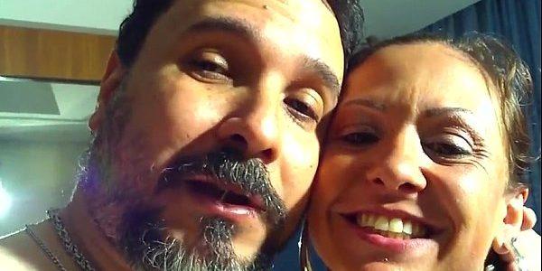 Casal exibicionista trepando e gravando o vídeo amador