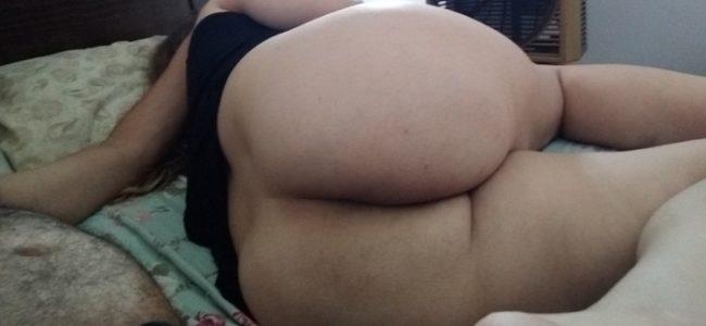 Esposa gostosa mostrando a bunda grande