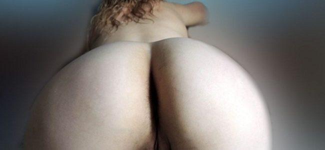 Loira casada deliciosa pelada mostrando tudo