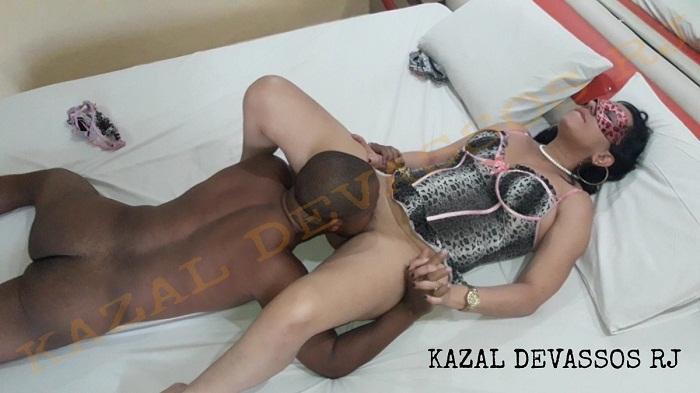 Esposa de corno fazendo sexo com o amigo