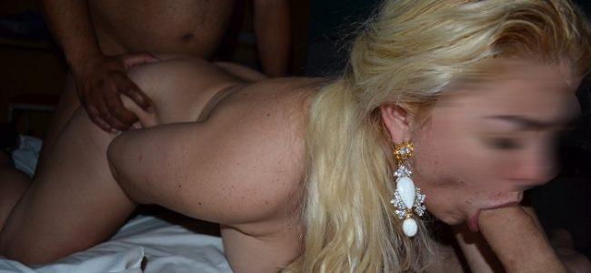 Loira de corno gostosa em fotos porno amador