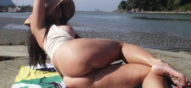 Ana Stripper Virtual e suas fotos nuas em publico