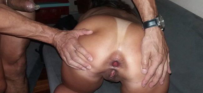 Exibindo a esposa do corno arrombada