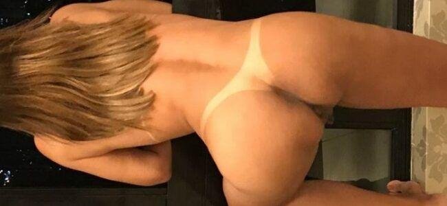 Esposa loira gostosa com marquinhas