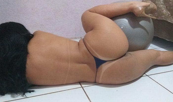 Morena top rabuda bronzeada