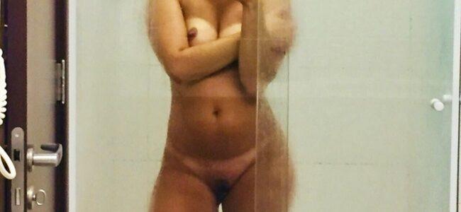 Esposa loira gostosa fotos pelada