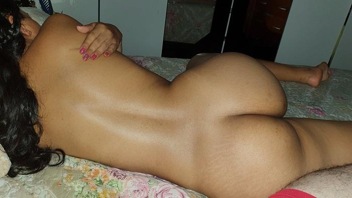 Pack de fotos amadoras dessa esposa morena pelada
