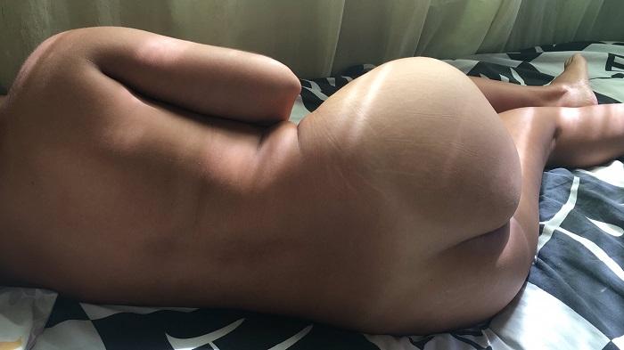 Esposa dormindo pelada toda gostosa