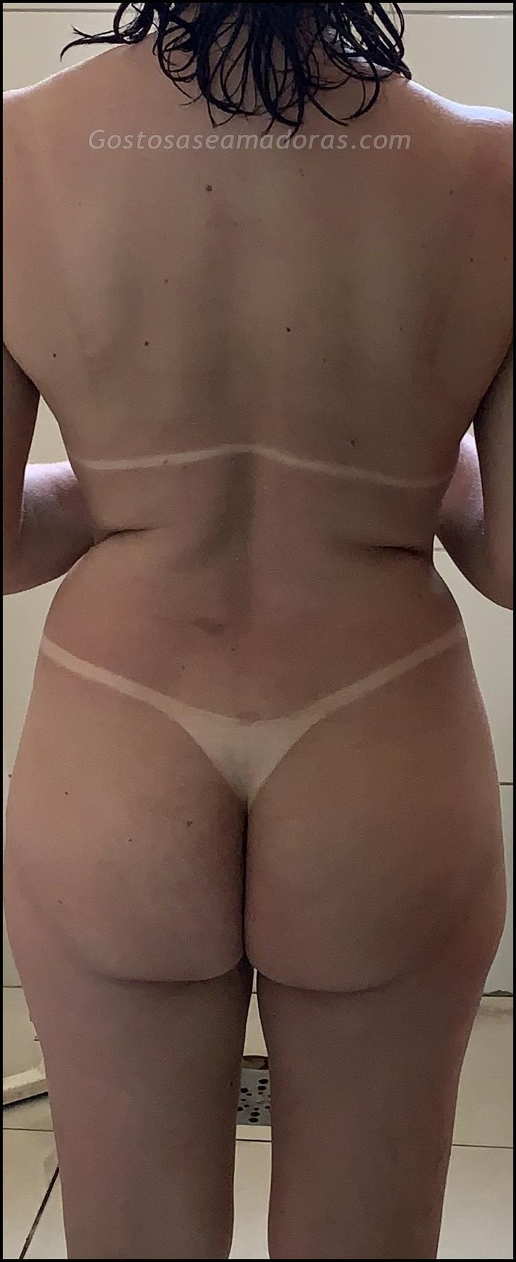 Esposa-alta-e-gostosa-pelada-toda-bronzeada-2