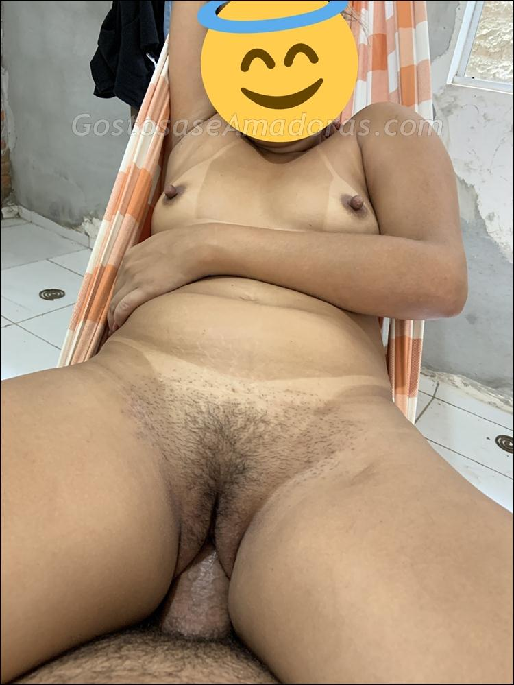 Marido-exibindo-sua-loira-gostosa-pra-sexo-1
