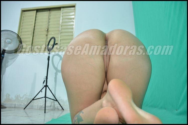 Fotos-amadoras-da-esposa-branquinha-pelada-3