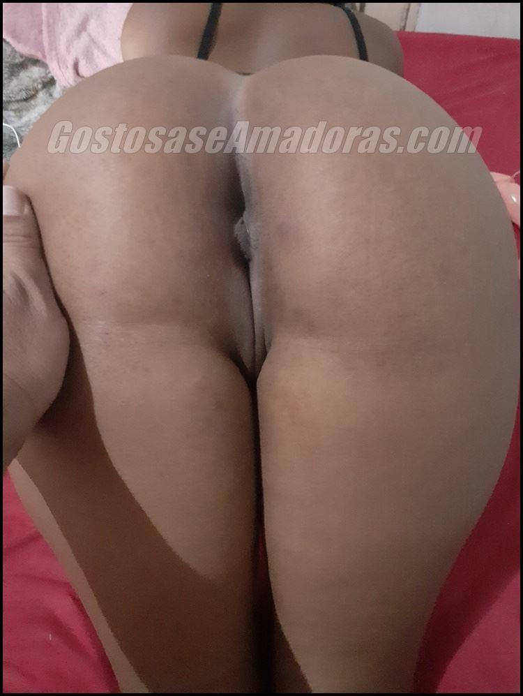 Fotos-amadoras-da-esposa-branquinha-pelada-5